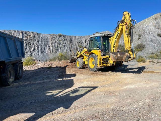 La Concejalía de Medio Ambiente procede a la limpieza de un vertido incontrolado de 96 toneladas de escombros - 1, Foto 1