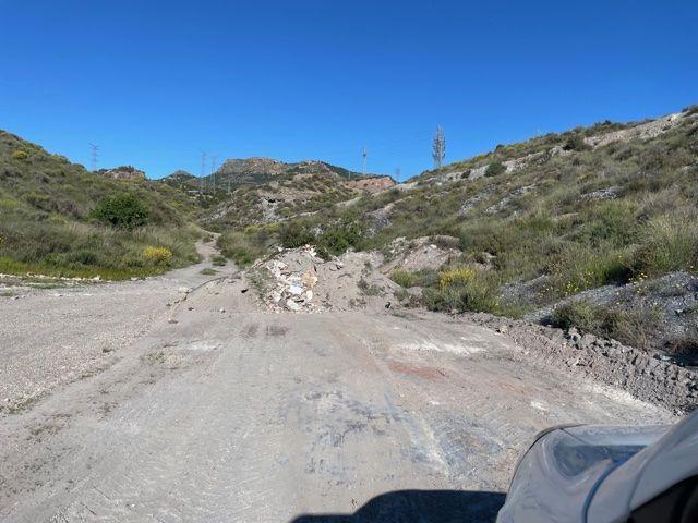 La Concejalía de Medio Ambiente procede a la limpieza de un vertido incontrolado de 96 toneladas de escombros - 2, Foto 2