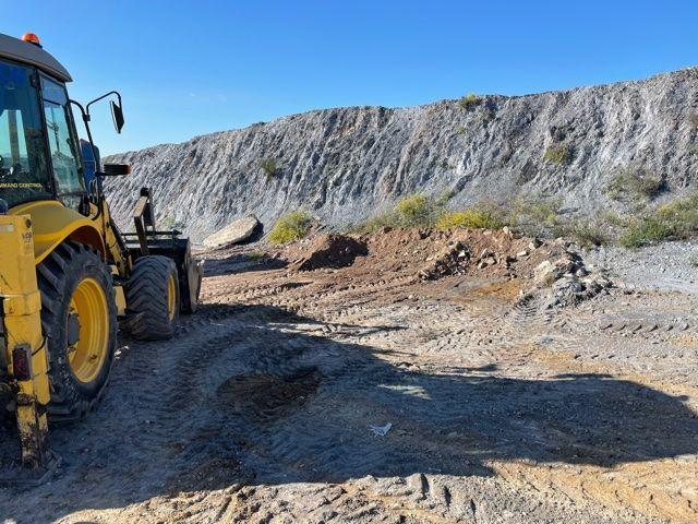 La Concejalía de Medio Ambiente procede a la limpieza de un vertido incontrolado de 96 toneladas de escombros - 3, Foto 3
