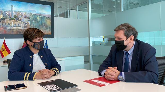 La Concejalía de Comercio de Torre Pacheco se reúne con el nuevo Director General en el Consistorio - 1, Foto 1