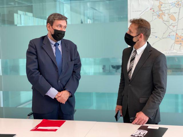 La Concejalía de Comercio de Torre Pacheco se reúne con el nuevo Director General en el Consistorio - 2, Foto 2