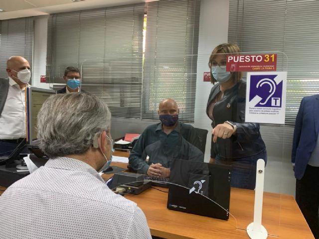 Política Social instala seis bucles magnéticos en sus oficinas para atender a las personas con discapacidad auditiva - 1, Foto 1