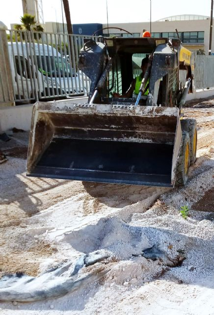 Comienzan las obras de instalación de un parque infantil en el polideportivo municipal - 2, Foto 2