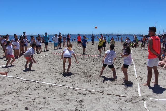 Más de 600 escolares disputan las finales escolares de mate, voley playa y fútbol8 en San Pedro del Pinatar - 4, Foto 4
