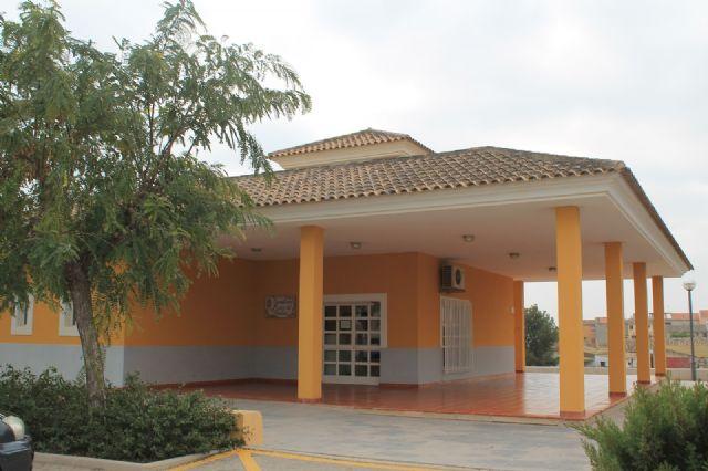El Gobierno municipal apoya las reivindicaciones de los vecinos de El Paretón para que se restituya el horario del Consultorio de esta pedanía durante este verano, Foto 4