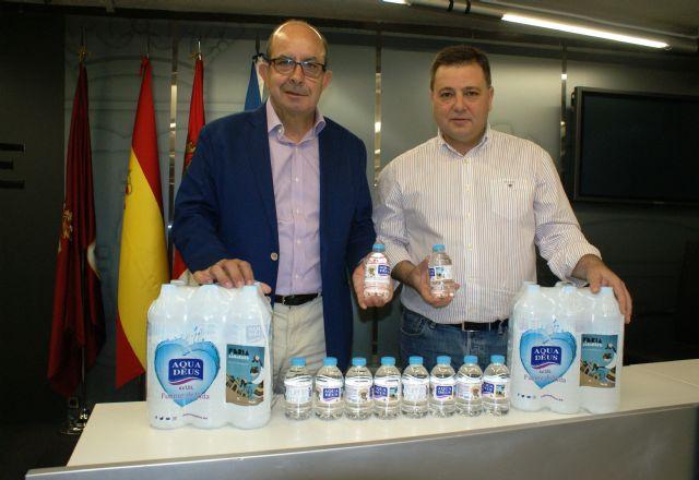 Aquadeus promociona la Feria de Albacete en las etiquetas de siete millones y medio de botellas de agua, Foto 1