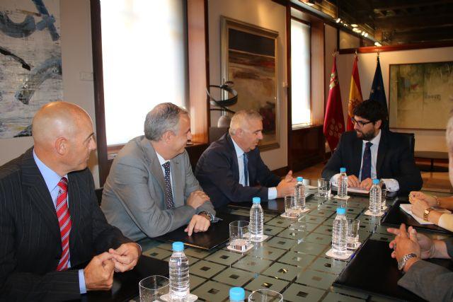 Fernando López Miras se reúne con el presidente de la Asociación de la Dependencia de la Región de Murcia, Foto 1