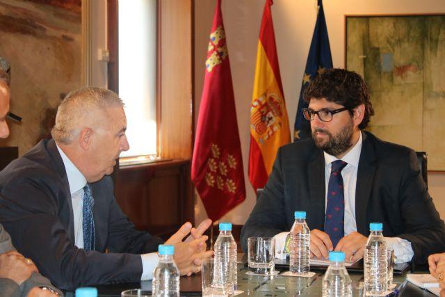 Fernando López Miras se reúne con el presidente de la Asociación de la Dependencia de la Región de Murcia, Foto 2