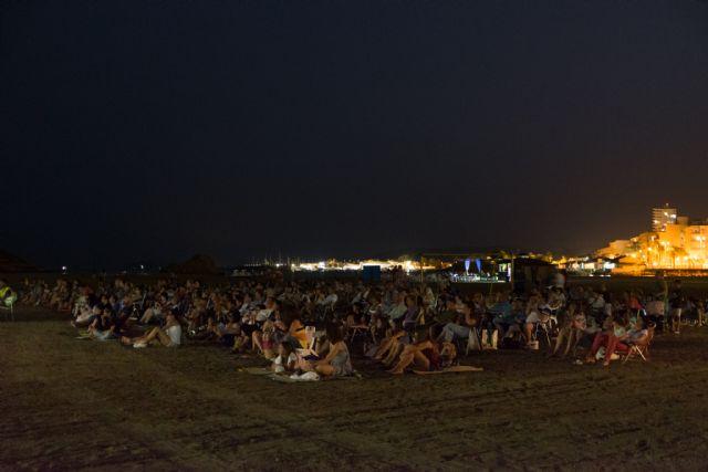 Vuelve el cine a las noches de verano de la playa de la Isla - 2, Foto 2