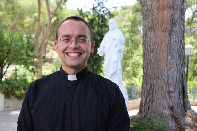 """""""Dejo mis planes para entregarme las 24 horas como sacerdote y dedicarme por completo al pueblo de Dios"""" - 1, Foto 1"""