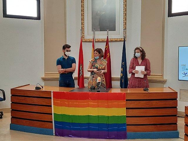 Las asociaciones juveniles de Alcantarillan leen el manifiesto para conmemorar el Día del Orgullo LGTBI - 3, Foto 3