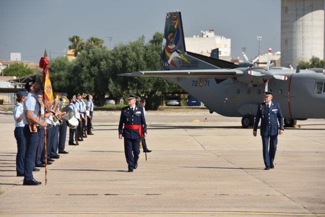 Acto de toma de posesión y relevo de mando en la Base Aérea de Alcantarilla - 2, Foto 2