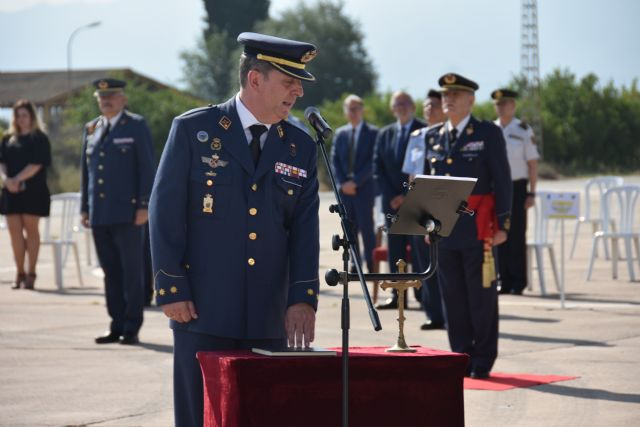 Acto de toma de posesión y relevo de mando en la Base Aérea de Alcantarilla - 3, Foto 3