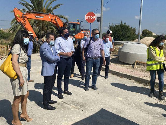 Joaquín Hernández, alcalde de Lorquí, visita las obras del Colector General de Saneamiento en la pedanía de La Anchosa - 1, Foto 1