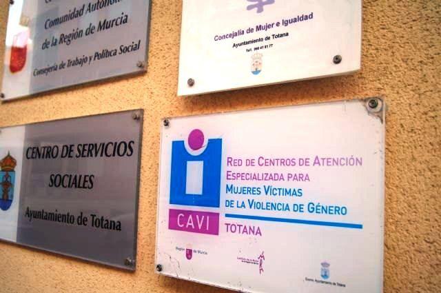 Las profesionales del CAVI de Totana amplían la prestación del servicio con un total de nueve horas más a la semana, Foto 1