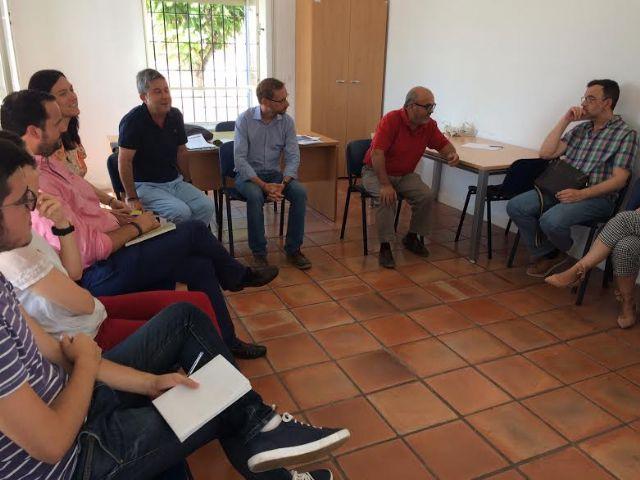 Urbanismo promueve una reunión de coordinación técnica para facilitar al usuario el trámite administrativo entre el Registro de la Propiedad y la Notaría con el Catastro tras la concesión de licencias de segregación, Foto 1