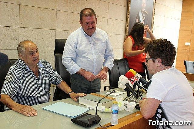 Se realiza una recepción a Francisco Cayuela Cánovas, Foto 6