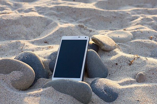 Estas vacaciones… puedes ignorar a tu jefe si te escribe por whatsapp. La ley te protege - 1, Foto 1