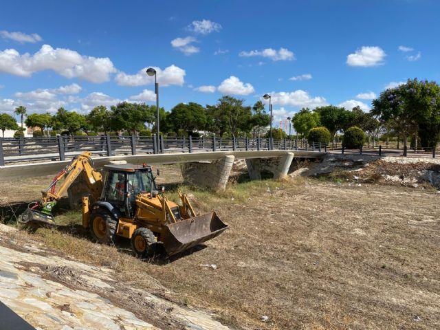 El Ayuntamiento acomete la limpieza de ramblas para evitar daños por lluvias torrenciales - 1, Foto 1