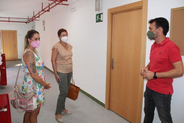 El Ayuntamiento realiza obras de mantenimiento en los centros educativos por valor de 65.000 euros - 2, Foto 2