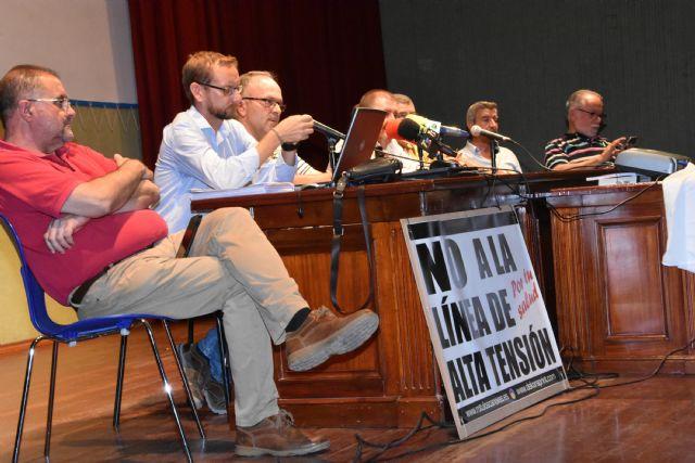 Urbanismo promover� a partir de la semana pr�xima una campaña de recogida de alegaciones y firmas a la modificaci�n del proyecto de la L�nea de Alta Tensi�n, Foto 1