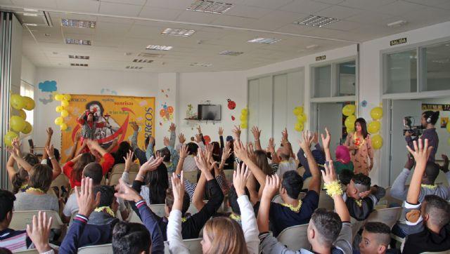 Correos y Payasos sin Fronteras reparten sonrisas en el Centro Integral de Personas con Discapacidad de Puerto Lumbreras - 2, Foto 2