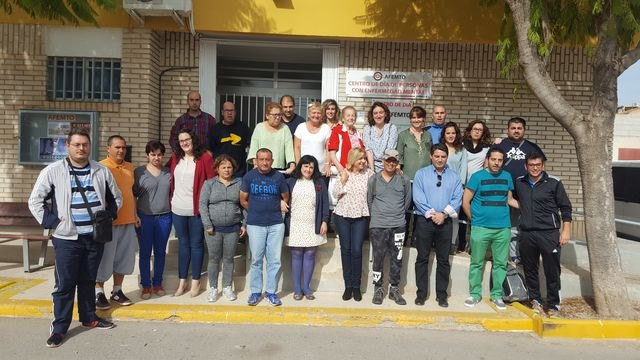 Ampl�an en cuatro plazas la atenci�n que presta a personas con enfermedad mental de Totana y comarca, Foto 1