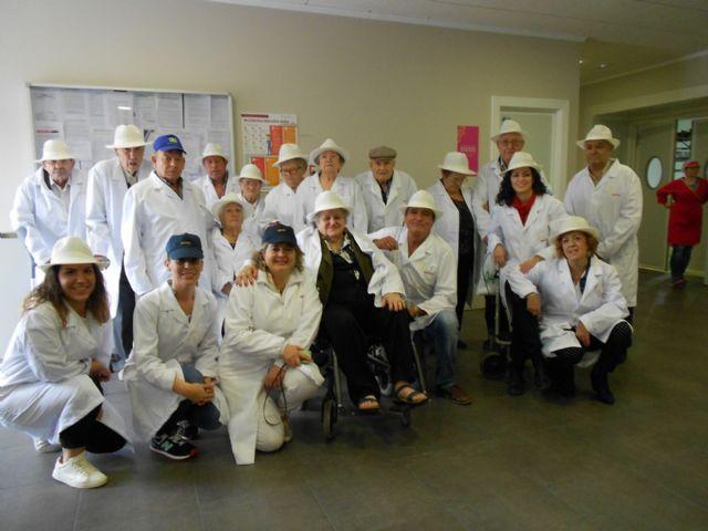 Los Centros de D�a para Personas Mayores Dependientes de Totana visitan MOYCA, Foto 1