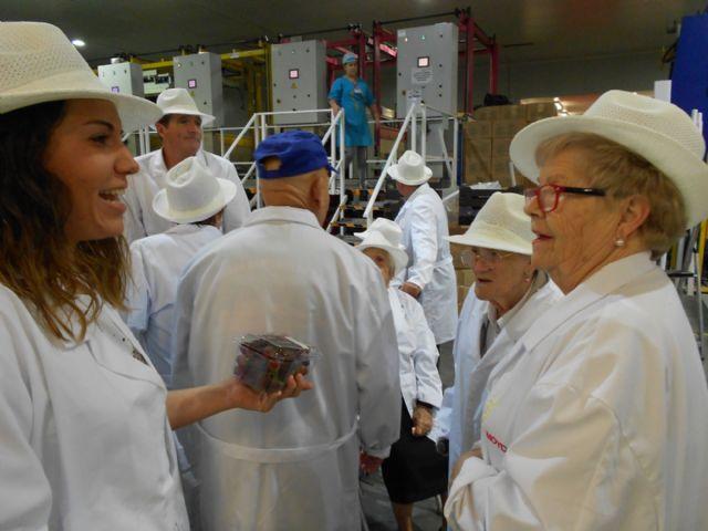 Los Centros de D�a para Personas Mayores Dependientes de Totana visitan MOYCA, Foto 3