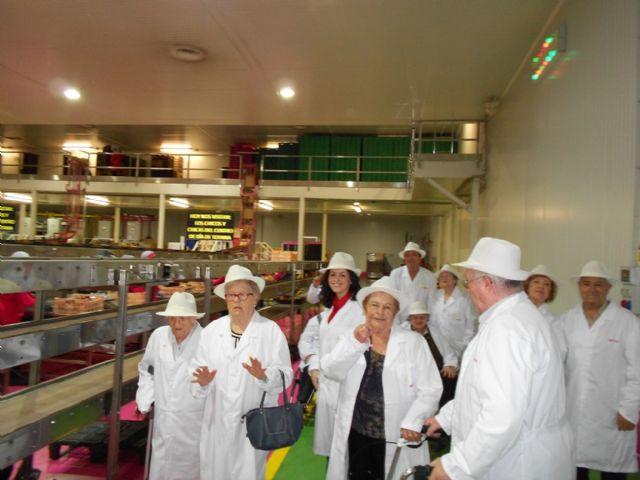 Los Centros de D�a para Personas Mayores Dependientes de Totana visitan MOYCA, Foto 4