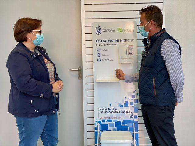 Actúa distribuye estaciones de desinfección en los principales edificios municipales de Torre Pacheco - 1, Foto 1