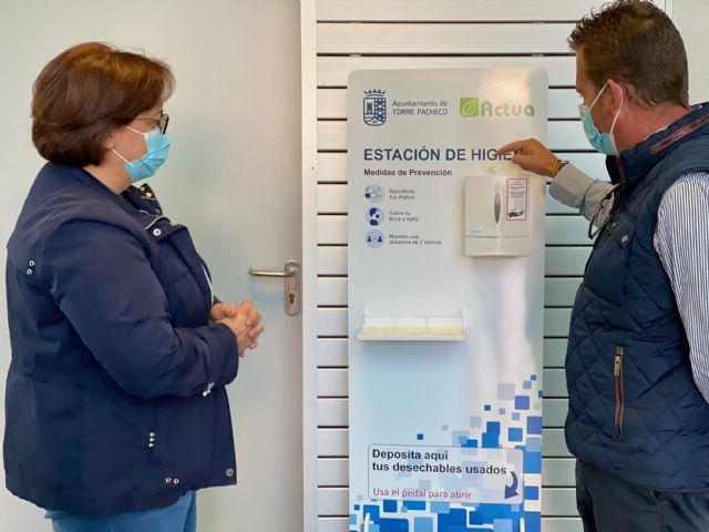 Actúa distribuye estaciones de desinfección en los principales edificios municipales de Torre Pacheco - 3, Foto 3