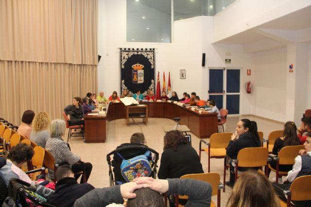 Escolares lumbrerenses y personas con discapacidad protagonizan el Pleno con motivo del Día de la Constitución - 1, Foto 1