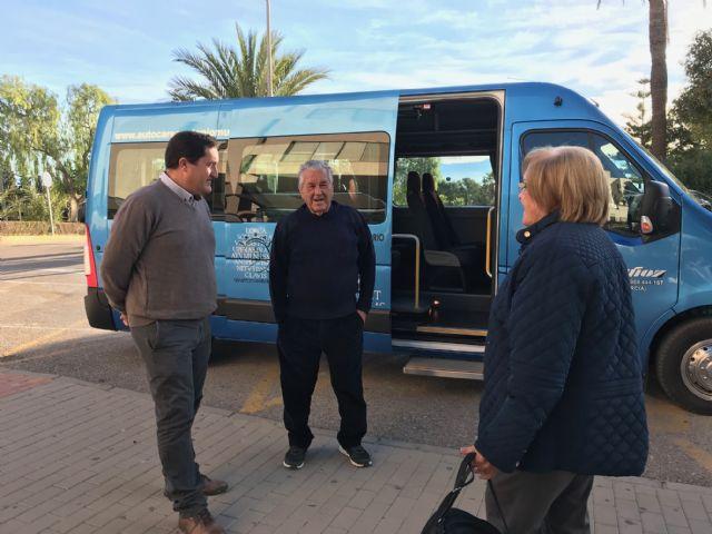 El Ayuntamiento pone en marcha la nueva línea gratuita de autobús entre el parking del Artés Carrasco y el Hospital Rafael Méndez - 1, Foto 1