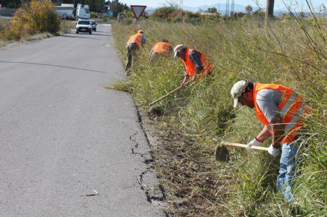 Contratados 33 desempleados agrícolas para hacer trabajos de reparación de caminos rurales, entre otros servicios - 2, Foto 2