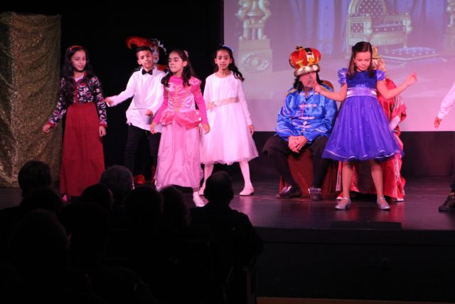 ADAPT recauda más de 2.000 euros con la pantomime La Bella Durmiente - 1, Foto 1