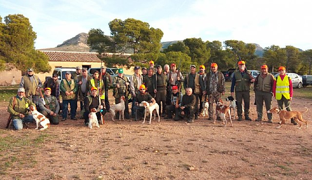 Una treintena de cazadores participaron ayer en el XXXIII Campeonato de Caza Menor con Perro, Foto 2