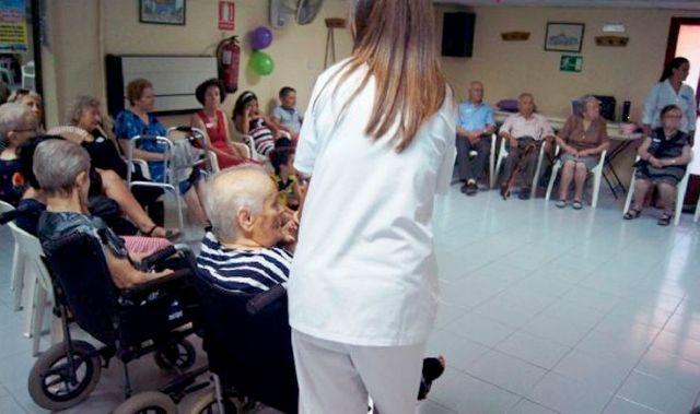 Se adjudica a la mercantil Clece, SA el servicio público de Centros de Día para Personas Dependientes de Totana, Foto 1