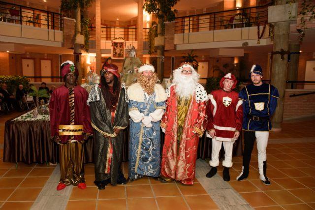 Los Reyes Magos llegan en barco este sábado al muelle pesquero, Foto 1