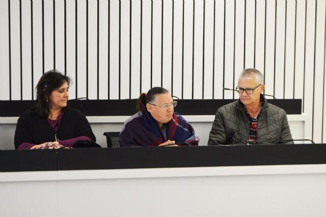 Usuarios de AFES seguirán trabajando en la biblioteca municipal para facilitar su integración social - 1, Foto 1