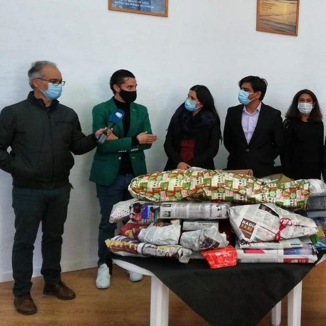Juventudes Socialistas comienza a repartir regalos, haciendo su primera parada en la Asociación Betania Nueva Vida - 1, Foto 1