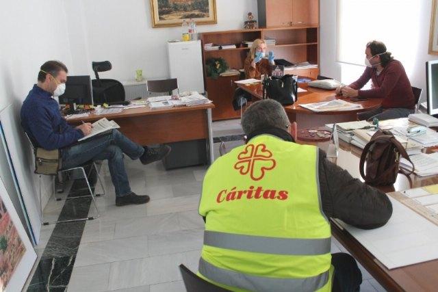 Se conceden sendas subvenciones de 12.500 euros a Caritas de las parroquias de Santiago y Las Tres Avemarías, respectivamente - 1, Foto 1