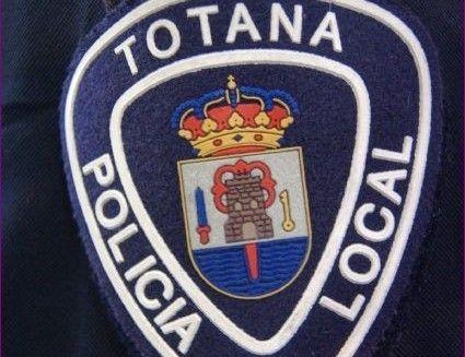 La Policía Local de Totana recupera y entrega a su titular un teléfono móvil de alta gama, Foto 1