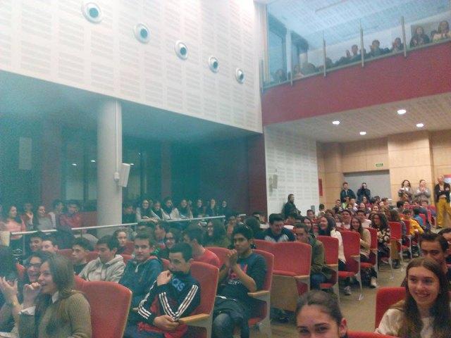 El Instituto Prado Mayor de Totana participó en el programa Locos X Ciencia, Foto 2