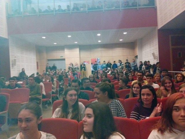 El Instituto Prado Mayor de Totana participó en el programa Locos X Ciencia, Foto 4