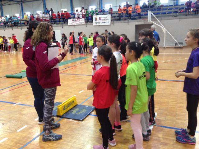 Los Centros Educativos del municipio participan en Jugando al Atletismo, alevín en Roldán - 2, Foto 2