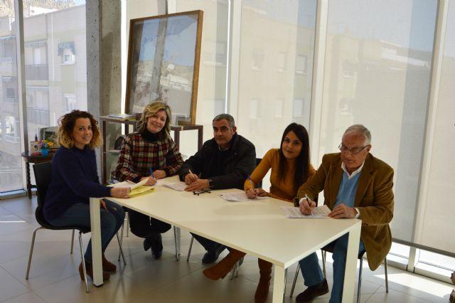 El Ayuntamiento de Blanca refuerza sus Servicios Sociales con la firma de 3 convenios - 1, Foto 1