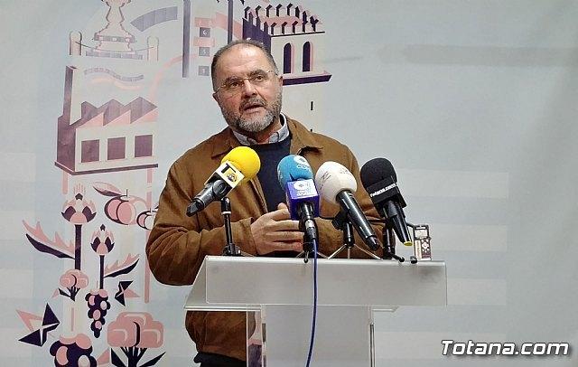 Juan Jos� C�novas invita a los candidatos y candidatas del resto de grupos pol�ticos a mantener debates p�blicos, para exponer criterios y propuestas, Foto 1