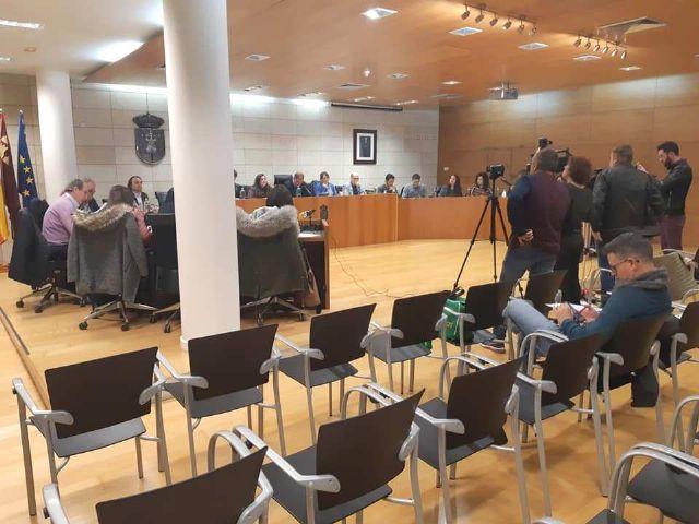 El Pleno aprueba instar al Gobierno regional a que no se implante la pretendida autorizaci�n expresa o pin parental en los centros educativos de la Comunidad Aut�noma, Foto 4