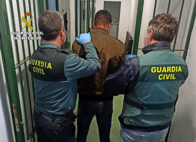 La Guardia Civil detiene a un experimentado delincuente buscado por la justicia - 2, Foto 2
